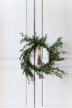 DIY : 12 couronnes de Noël modernes et minimalistes à fabriquer soi-même chez Nicole Franzen