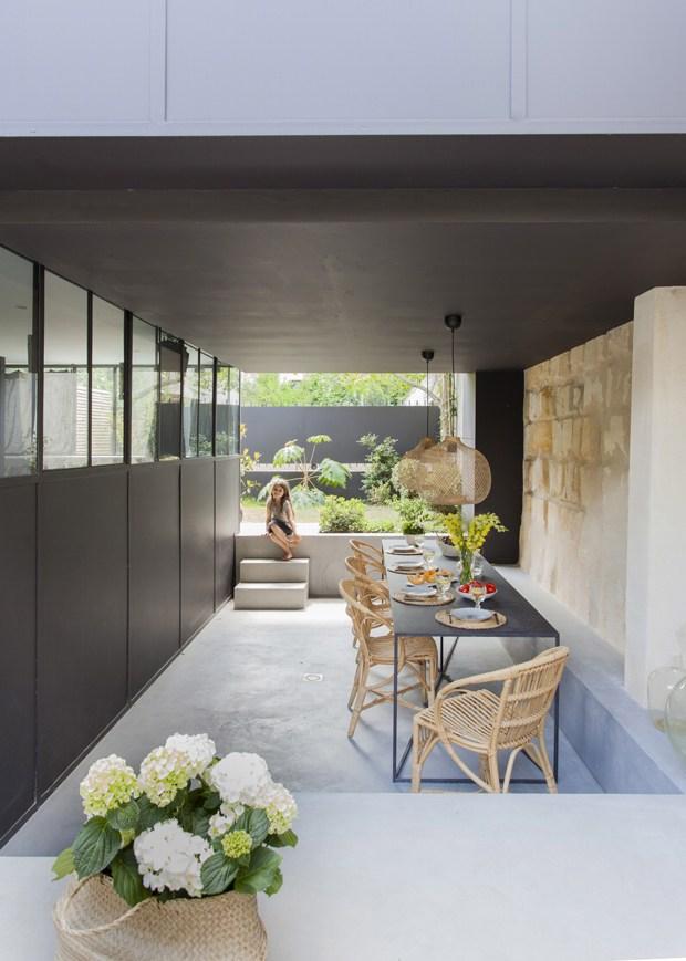 Visite déco : Une maison à la décoration minimaliste, ethnique et chaleureuse à Bordeaux (France) - www.decocrush.fr | @decocrush
