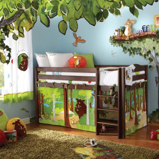 jungle-room