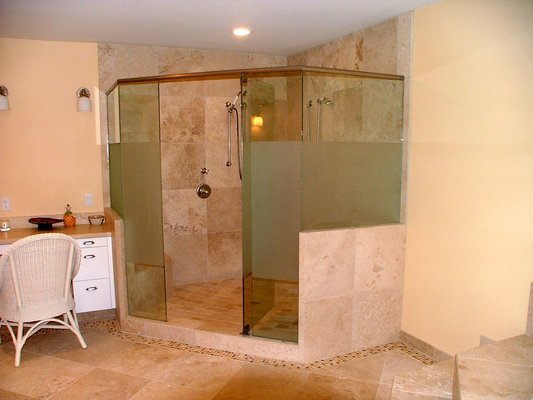 shower built in (2)
