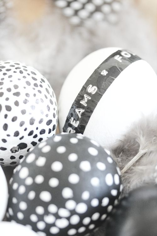 black&white eggs