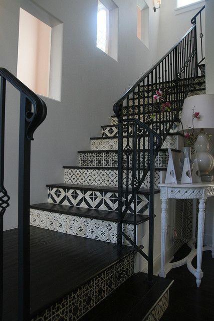 black_white_mixed_tiles (5)