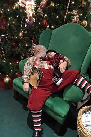 sleepy_santa_2