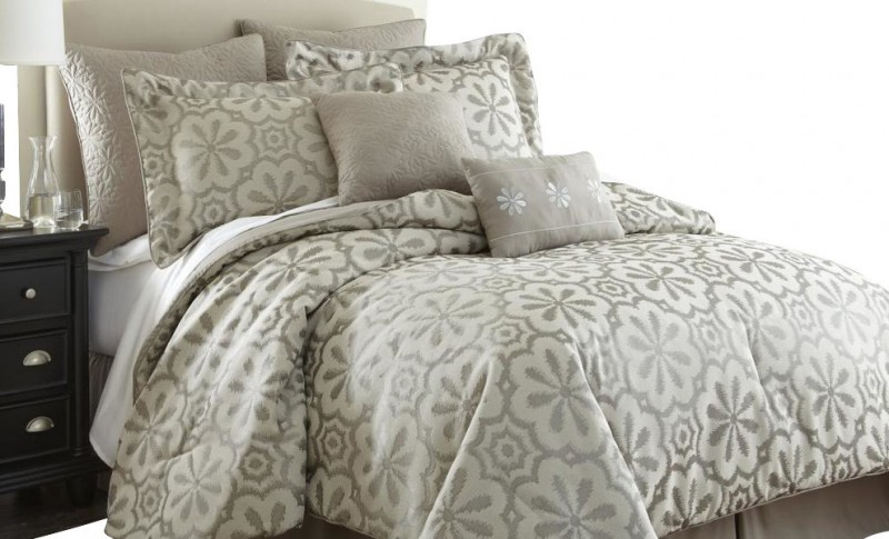 Calming Your Bedroom With Ivory Bedding Sets Decohoms