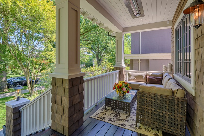 Add A Comfort Zone In Your Front Porch With These Fabulous