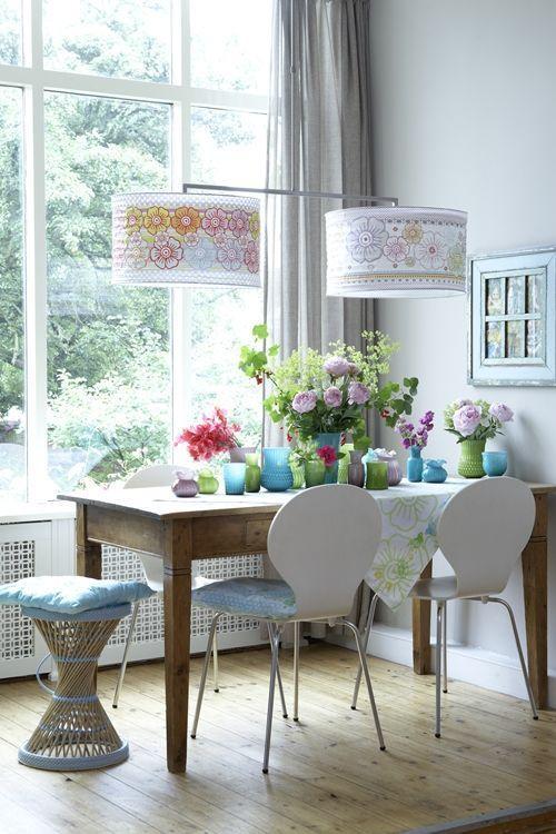 casas modernas con flores y vidrio 1