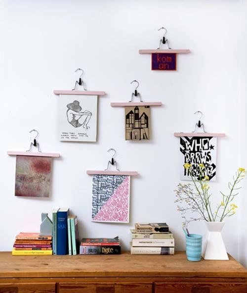 Colocar cuadros para decorar paredes de forma original decomanitas - Paredes pintadas a cuadros ...