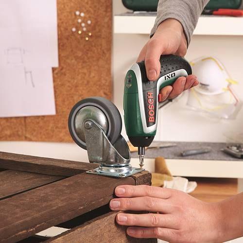 Mueble para barbacoas DIY hecho con cajas de madera 5