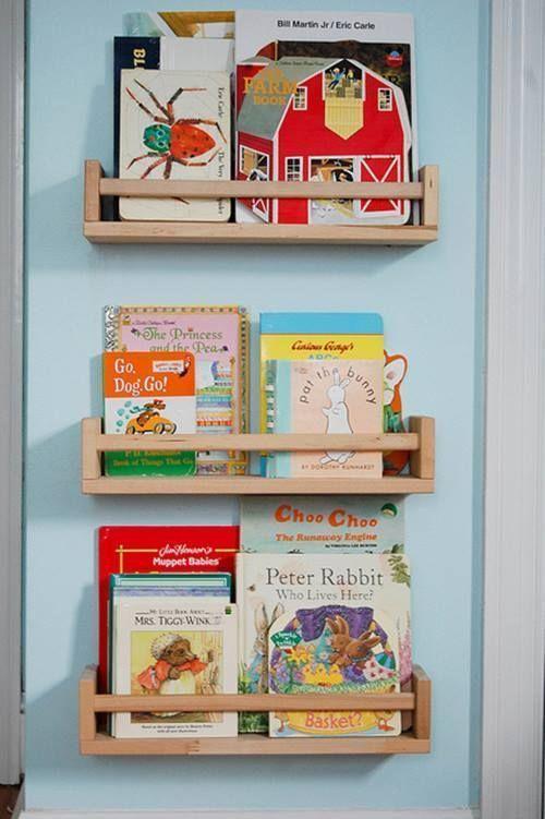 Repisas modernas para libros en habitaciones para niños 7