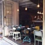 Últimas tendencias en decoración comedores vintage con sillas mix and match 1