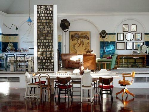 Últimas tendencias en decoración comedores vintage con sillas mix and match 12