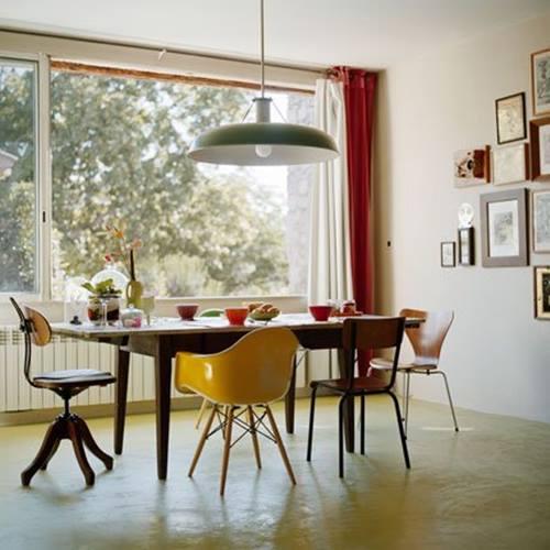 Últimas tendencias en decoración comedores vintage con sillas mix and match 4