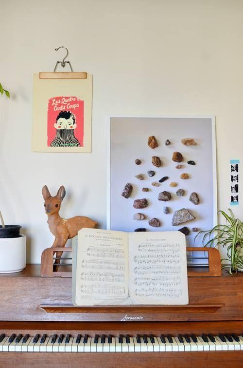 Nuevas formas de colgar láminas para enmarcar ¡arte en perchas de madera! 1