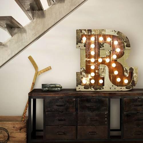 decoracin vintage con rtulos luminosos para la casa