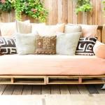 Nuevas ideas con palets: una cama de día y un portabicicletas