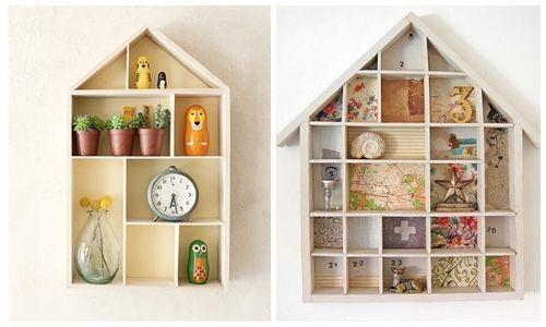 Ideas para decorar con una estanter a casita de madera for Como decorar una vitrina