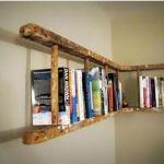 Decoración reciclada: estanterías de pared con escaleras de madera rústicas