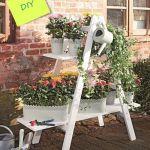 Ideas para decorar y reciclar muebles estanteria con escalera 1