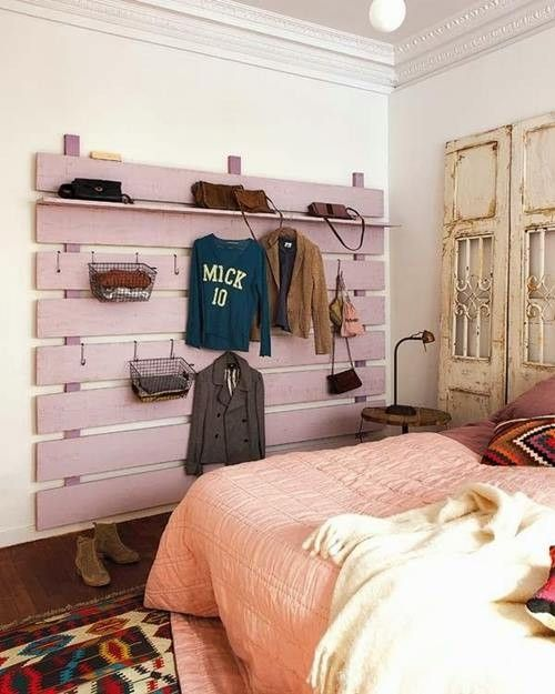 Idea para el dormitorio: muebles con palets reciclados para decorar con estilo.