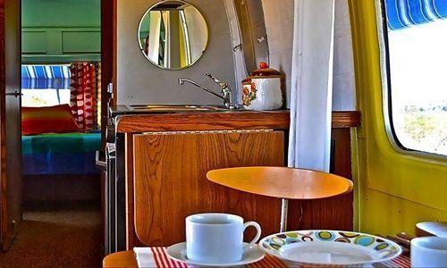 Casas con encanto imaginas vivir en una caravana así... 6