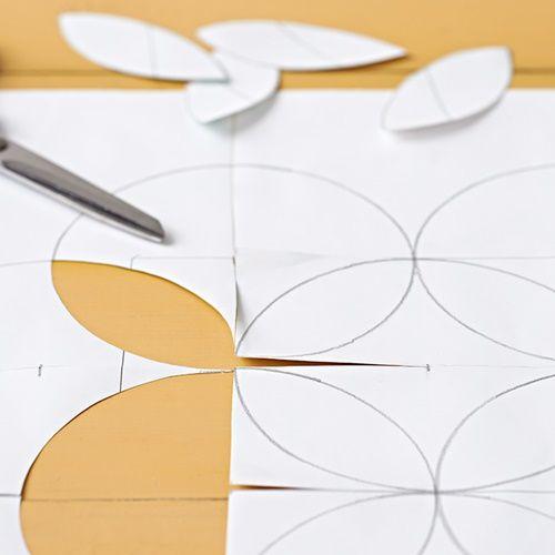 Pintar muebles con plantillas para personalizar mesillas y cómodas 4