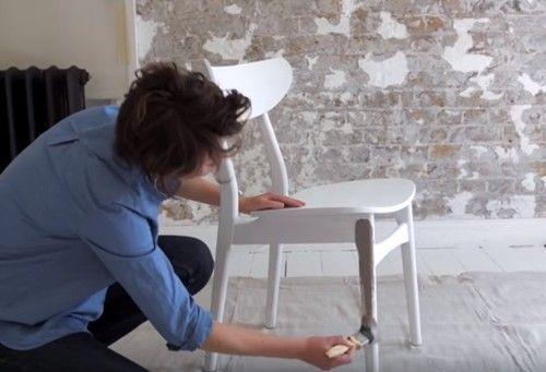 DIY efecto dip pintar muebles con las patas sumergidas... 7
