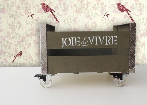 Reciclar cajas de fruta en original mueble auxiliar 1