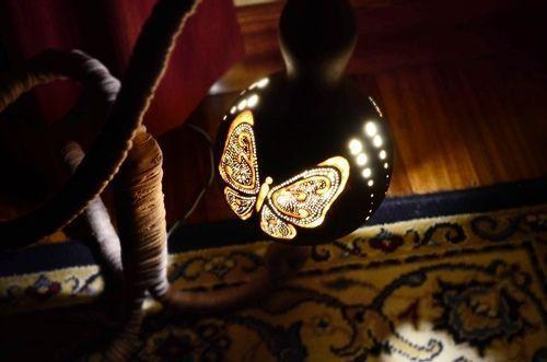 Artesanía con calabazas lámparas originales llenas de misterio 10