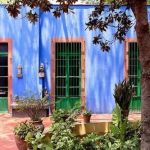 Casas con encanto: la personalísima Casa Azul de Frida Khalo