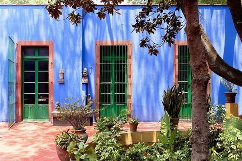 casas-con-encanto-la-personalisima-casa-azul-de-frida-khalo-1