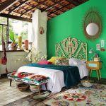 Decoración de habitaciones con cabeceros y sillas Peacock
