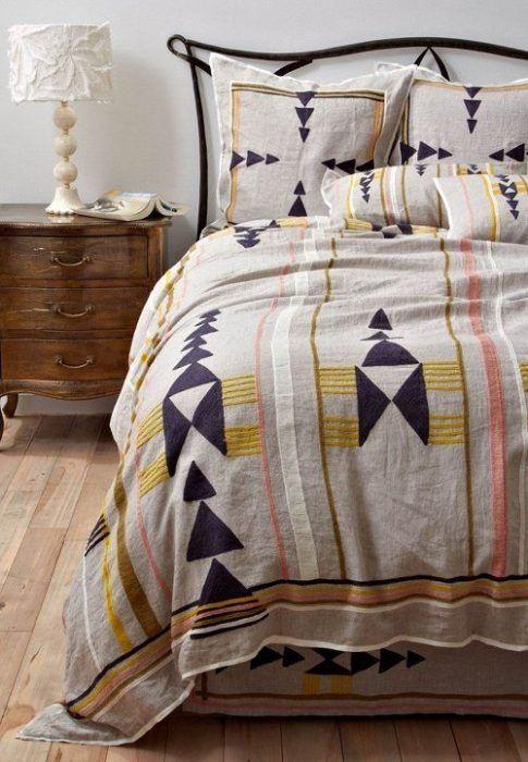 como-vestir-una-cama-para-hacerla-protagonista-del-dormitorio-16