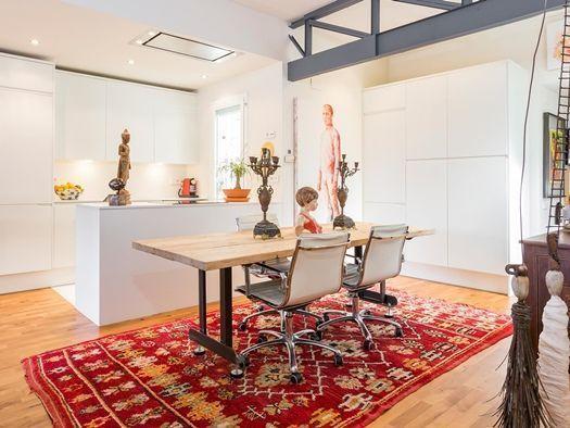 Casas con encanto decomanitas for Muebles terraza barcelona
