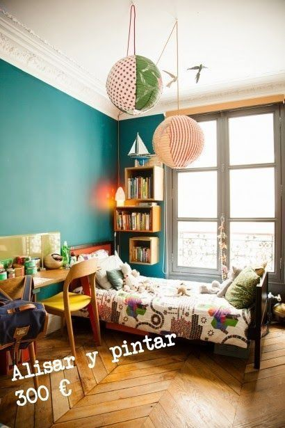 Reformas baratas para hacer tú mismo: alisar y pintar paredes.