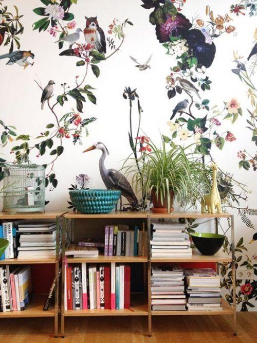 Paredes de acento con papel pintado de estampado jungla: pon la nota tropical en tu casa.
