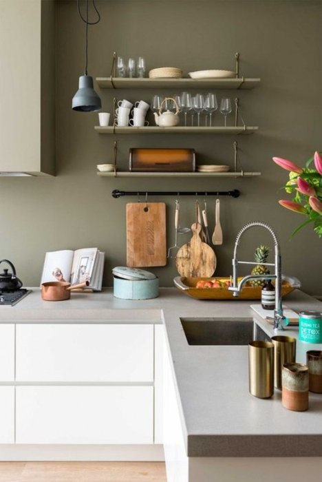 Tendencias al reformar la cocina: pintura en las paredes.