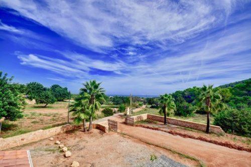 Casa con encanto en Ibiza, a 5 minutos del mar en Cala Boix.
