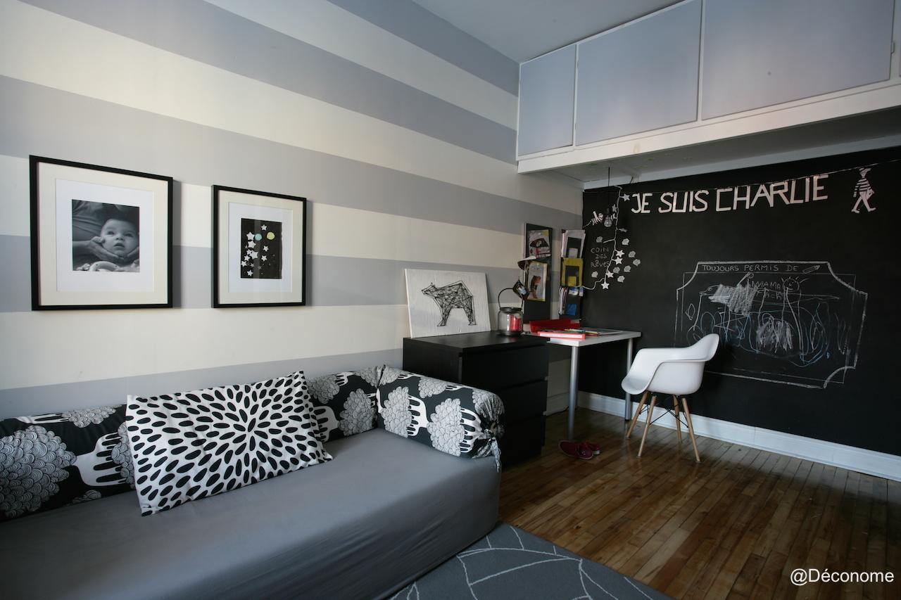 notre salle de jeux avec un mur gris et