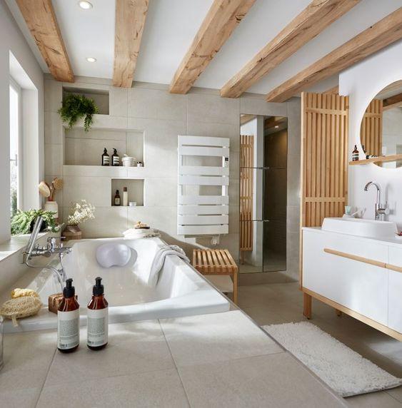 salle de bain ouverte sur la chambre
