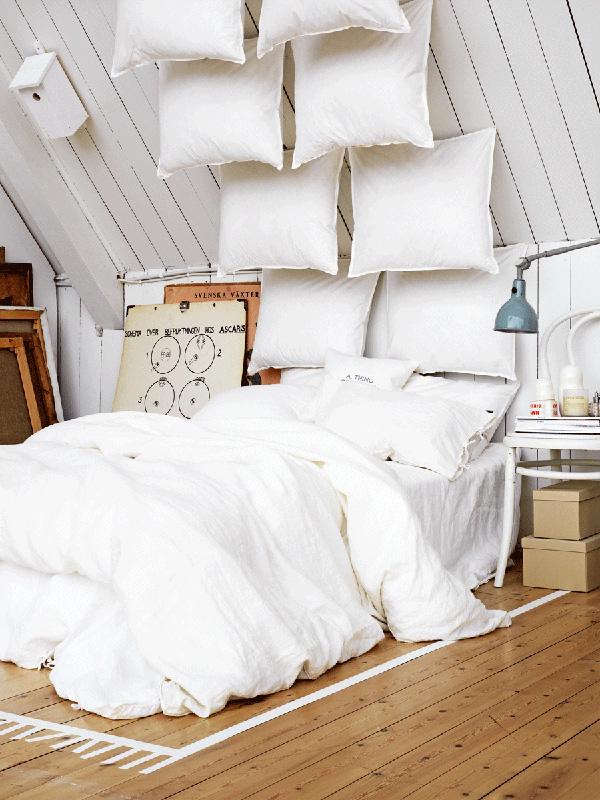 Cabeceros de cama con almohadas y cojines - Cabeceros de cama con cojines ...