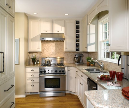 Small Kitchen Design with Traditional Cabinets   Decora     Small kitchen design with off white cabinets by Decora Cabinetry