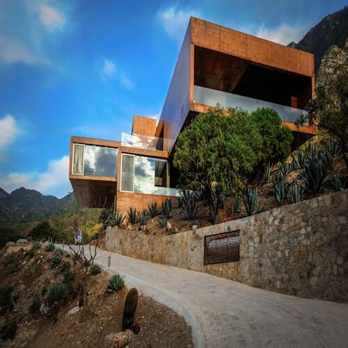 Niragua House
