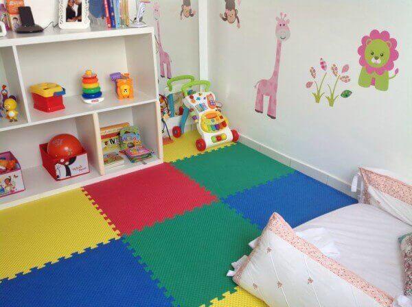 tapetes em EVA para quarto de bebê