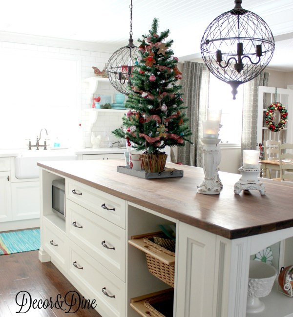 Farmhouse kitchen Christmas tree