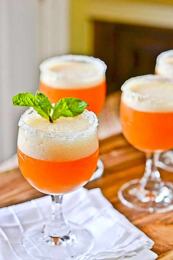 Peach Champagne Cocktails