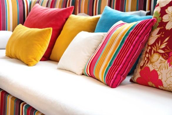 Almofadas coloridas Como escolher