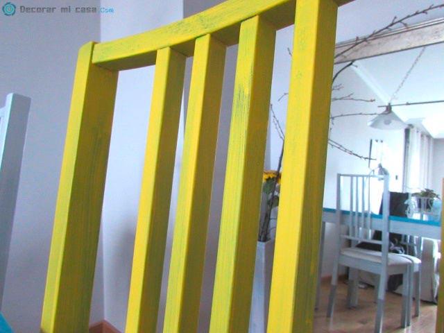 Pintura mostaza para sillas