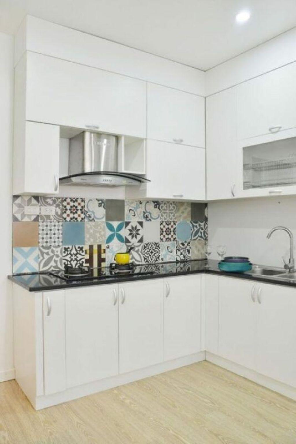 Toques de color en una cocina blanca