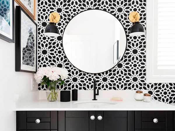 Decoración de un cuarto de baño moderno