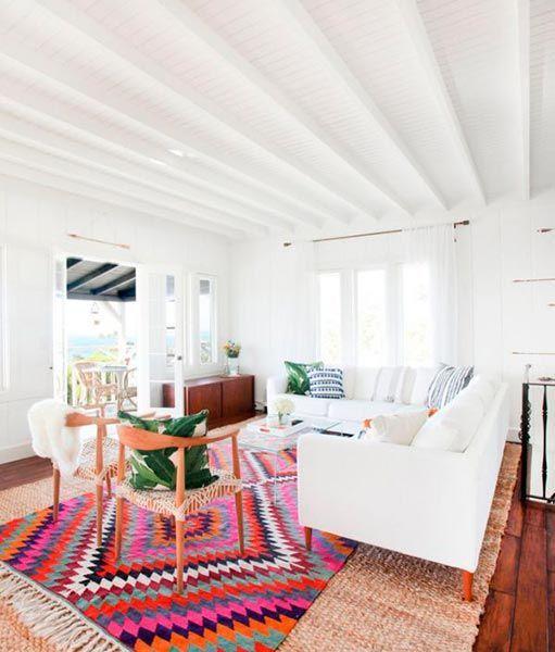 Casa luminosa con decoración natural